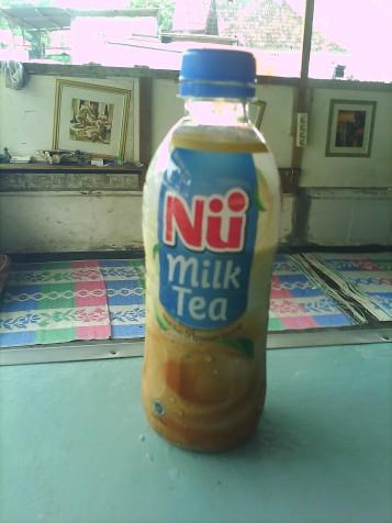 at last i could taste this milk tea. result? i prefer to make my own milk tea. this milk tea not using milk, but creamer -__-a