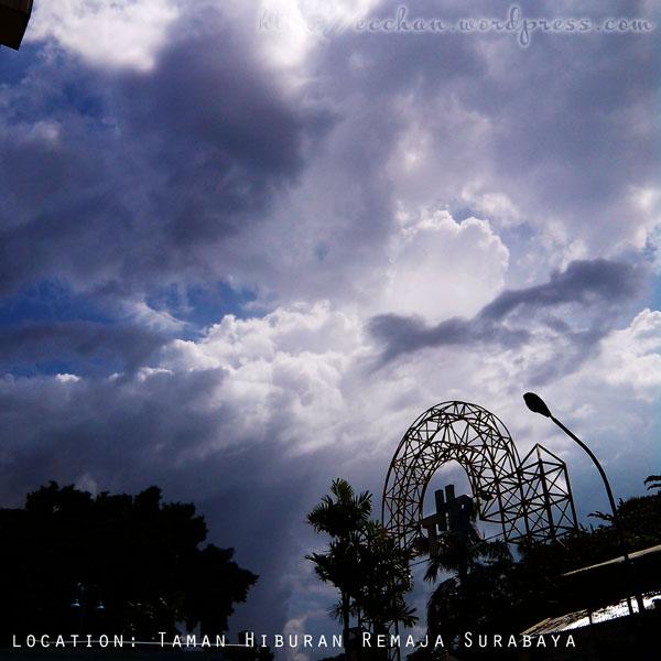 langit Surabaya beberapa hari terakhir