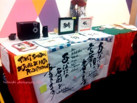 stand Shodo / kaligrafi